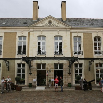 hotel de chateaugiron a rennes